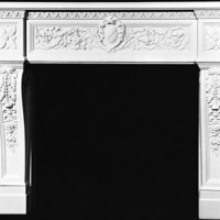 Royal Italian Mantel